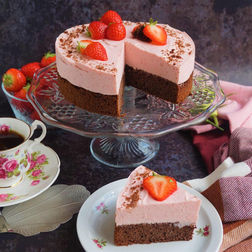 Aardbeienmousse taart